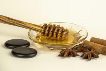 Honigmassage Stillleben Hotstones quer